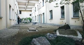 Giardino giapponese interno all'Arsenale della pace di Torino