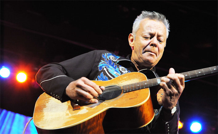 Tommy Emmanuel feat. Jason Isbell - Deep river blues